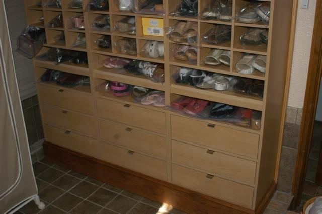 ... Custom Utility Cabinets Pic 9 ...
